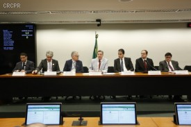 Lei Complementar de Finanças Públicas é discutida em audiência
