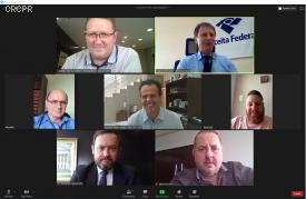 Comissão Consultiva do CRCPR reúne-se com delegado da Receita Federal